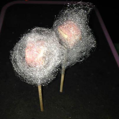 Walking dinner zelf samenstellen:Eendenborst-lolly met suikerspin