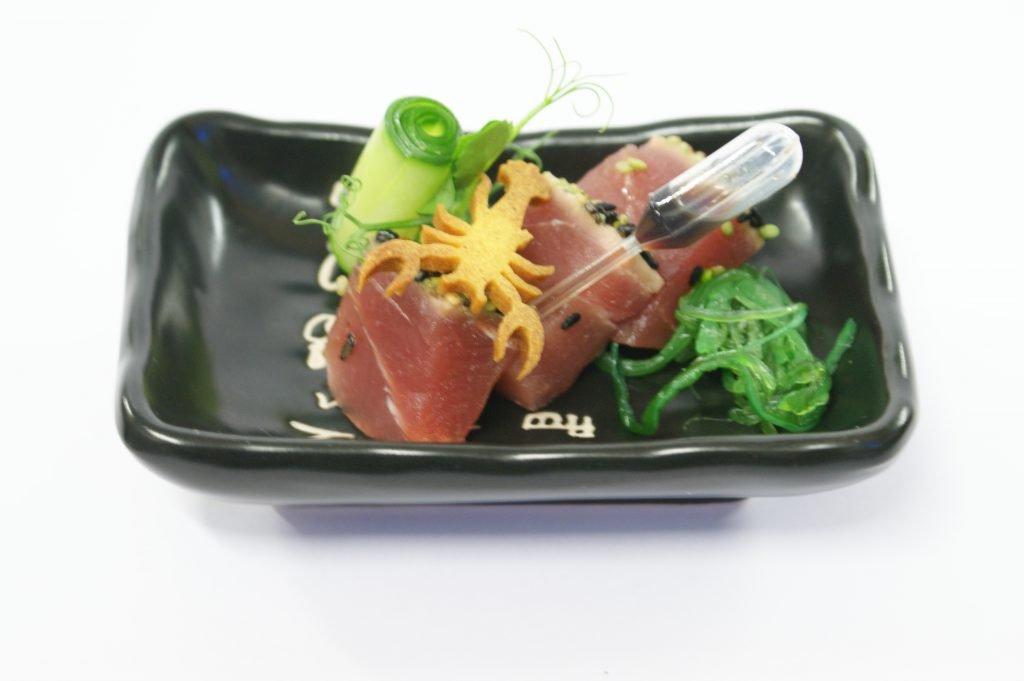 Kort gebakken tonijn met sojasaus van Huischef