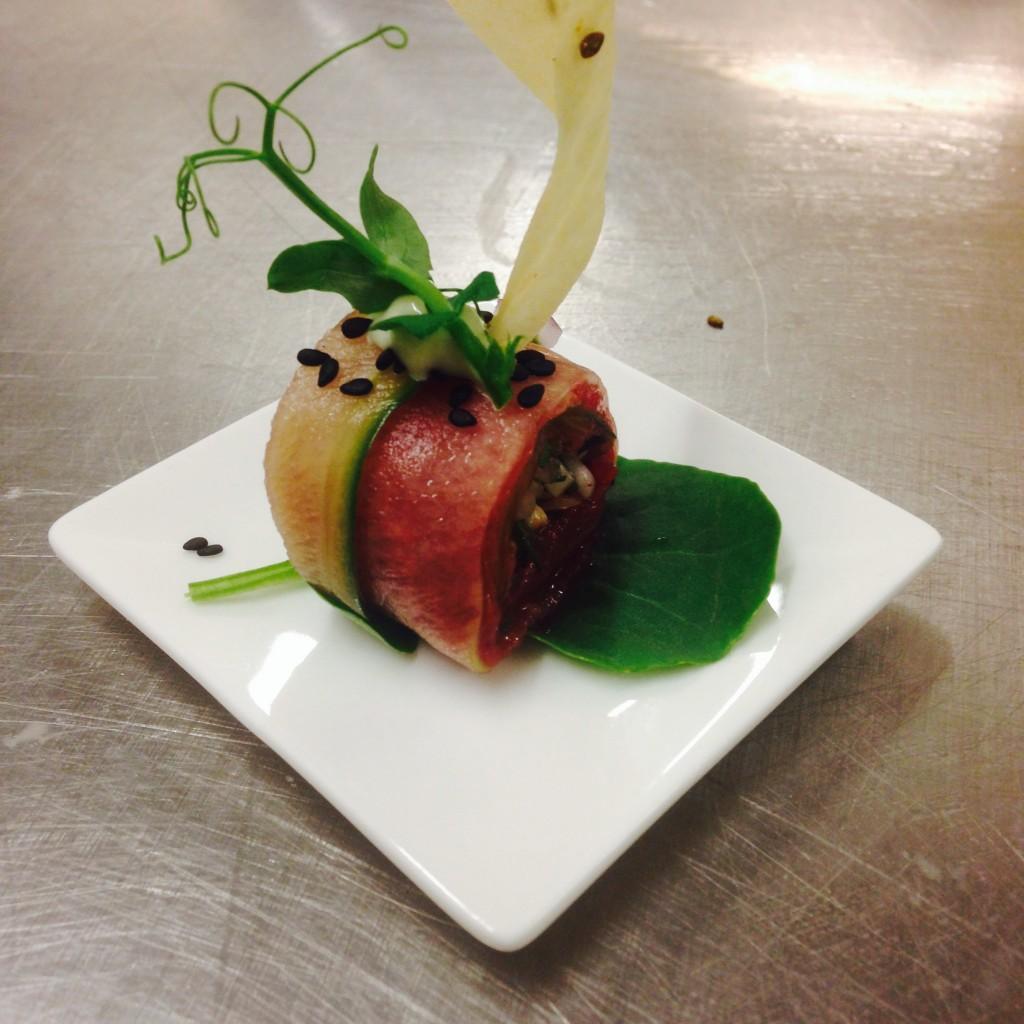Beef sashimi met tauge