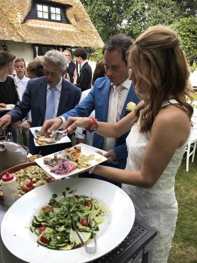 Buffet met bruidspaar