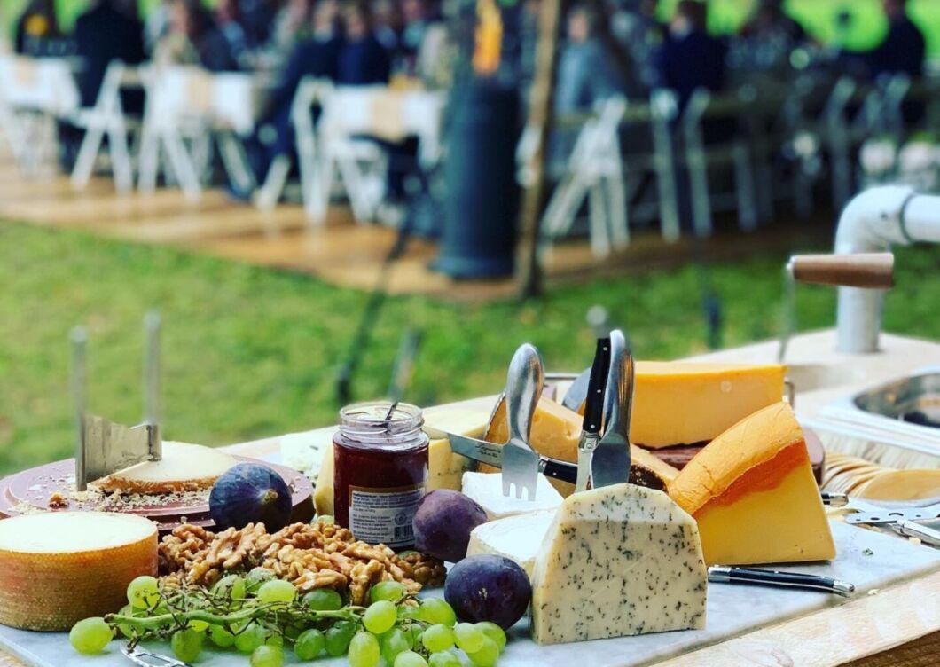 Kaaswagen op bruiloft catering